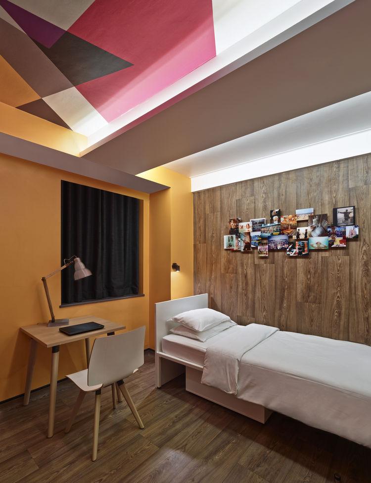 Generator London hostel premium bedroom