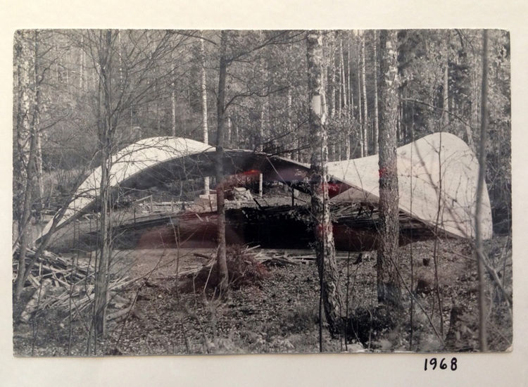 Yrjo Kukkapuro poured concrete shell roofline swoops into a parabolic curve outside of Helsinki Finland.