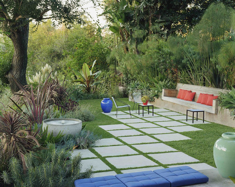 Outdoor area with modern landscaping