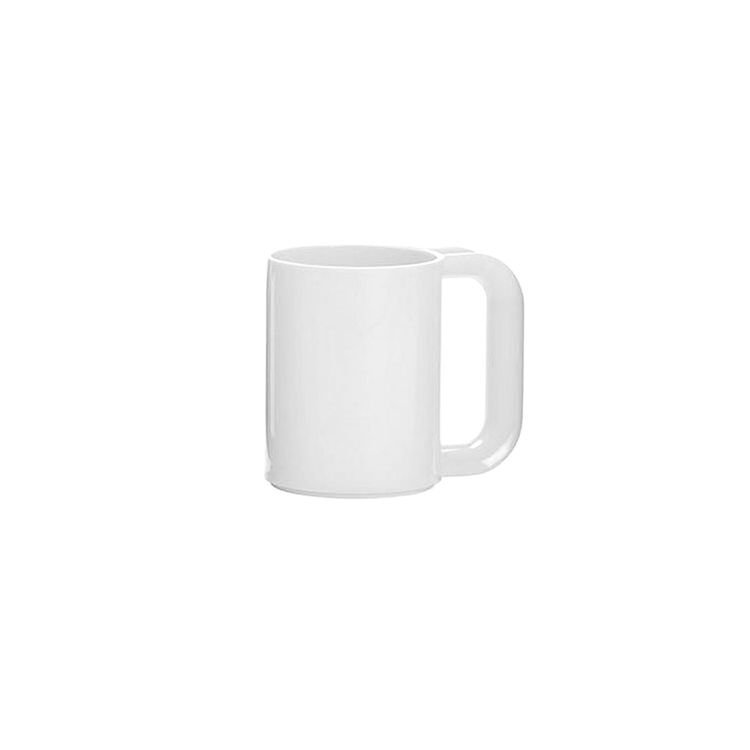 Indoor or outdoor plastic mug in simple and classic white