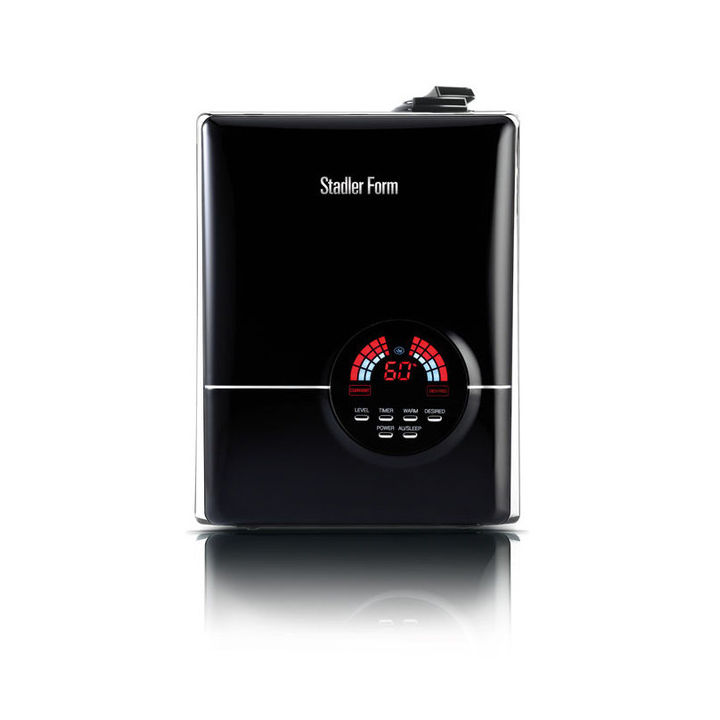 Ultrasonic humidifier in black
