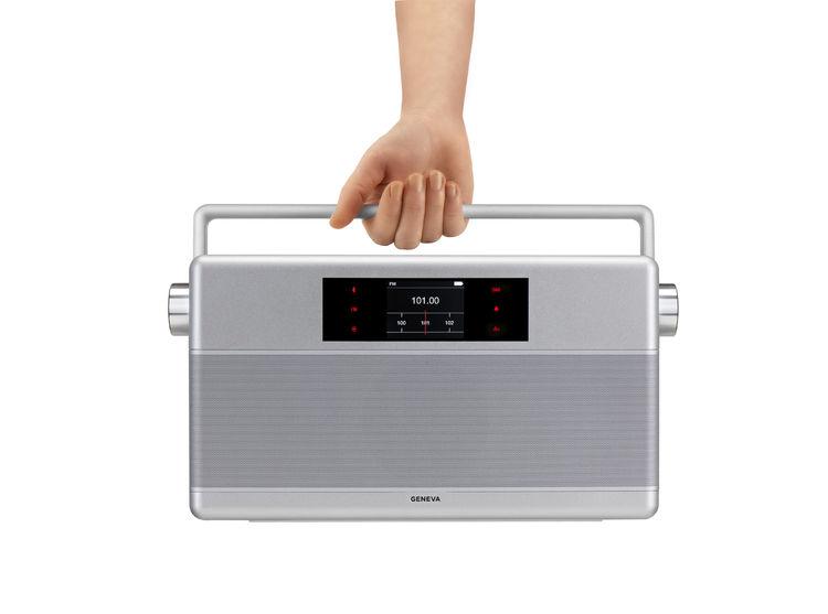retro-inspired radio based on classic world receiver