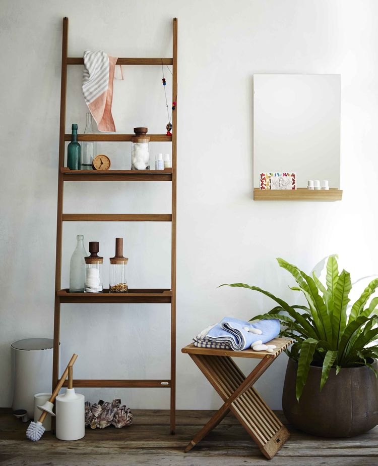 Elegant bathroom storage with ladder-like silhouette