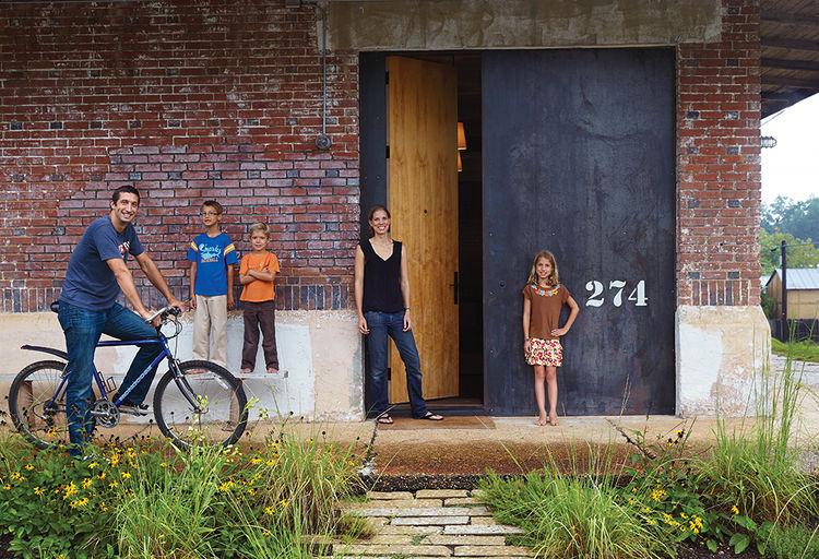 moden auburn bragg house family portrait entrance