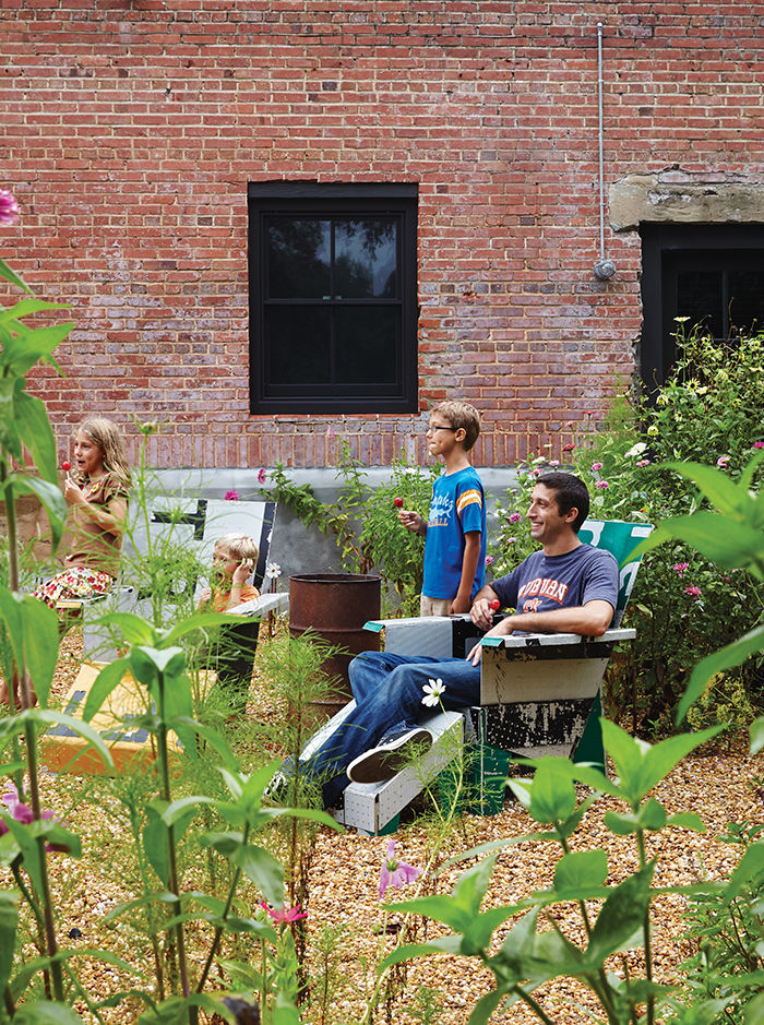 moden auburn bragg house garden lawn chairs