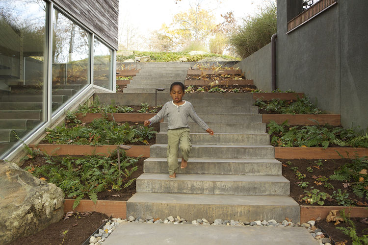 modern backyard terrace concrete garden