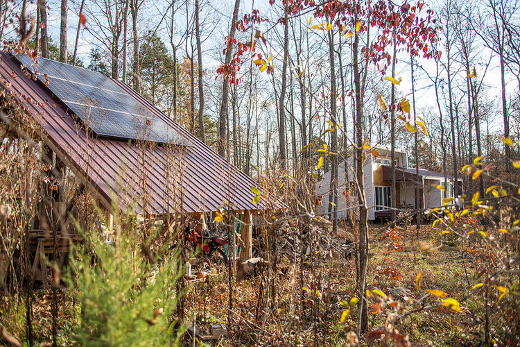 modern green arkansas cabin photovoltaic array storage