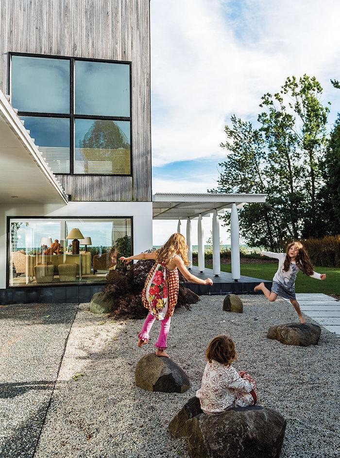 modern sturgeon bay julie brogan wisconsin crushed slate courtyard