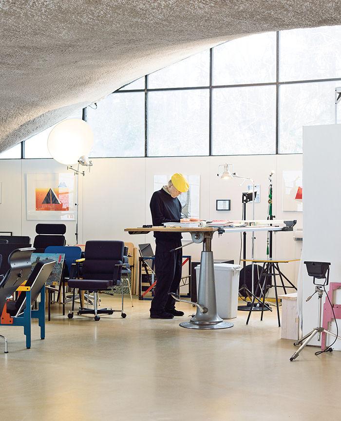 modern yrjo kukkapuro finland artek standing desk studio