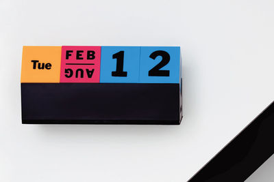 on and on cubes perpetual calendar by moma