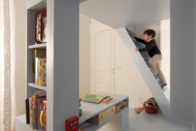 h2o paris kids room portrait stairs climbing