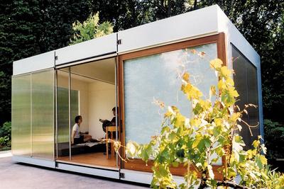 krill garden house assembled