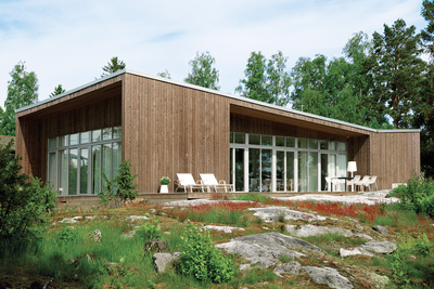 Modern wooden prefab home in Müsko Island, Sweden