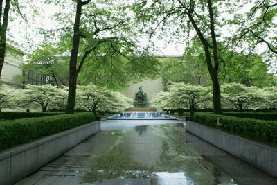 chicago illinois art institute of chicago garden fountain