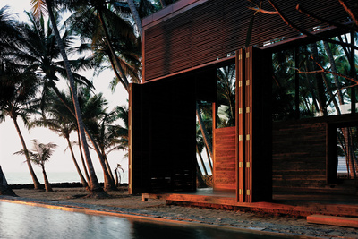 Modern vacation beach home in Nandgaon, India
