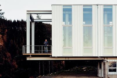 scott stafne house exterior portrait