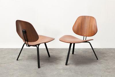 Pair of Osvaldo Borsani P31 molded plywood chairs