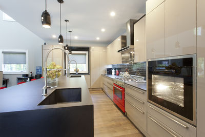 hgtv john colaneri kitchen side