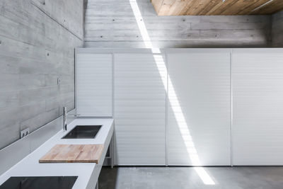 link ray concrete kitchen portugal retreat