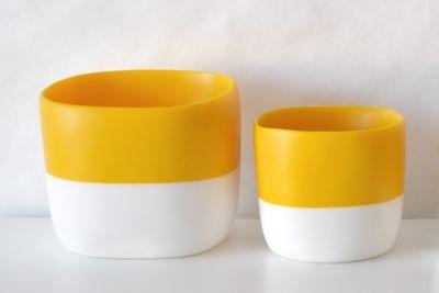 Two-tone storage vessel or planter
