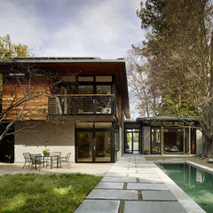 Reclaimed cedar and gray-stucco home outside San Francisco.