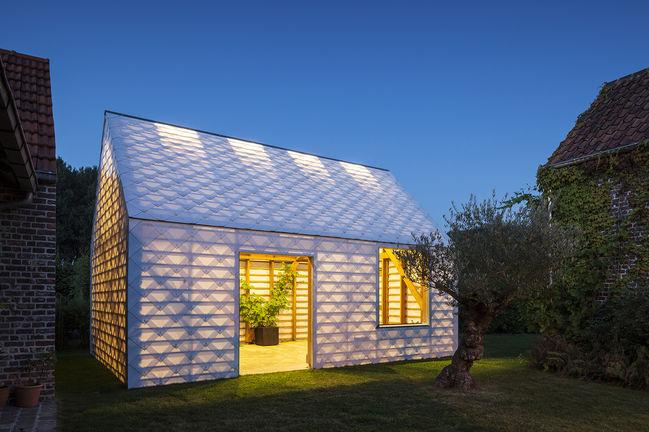 modern outdoor garden room plastic polycarbonate