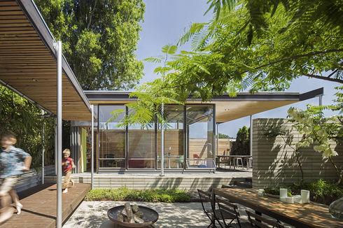 A Seattle studio's courtyard