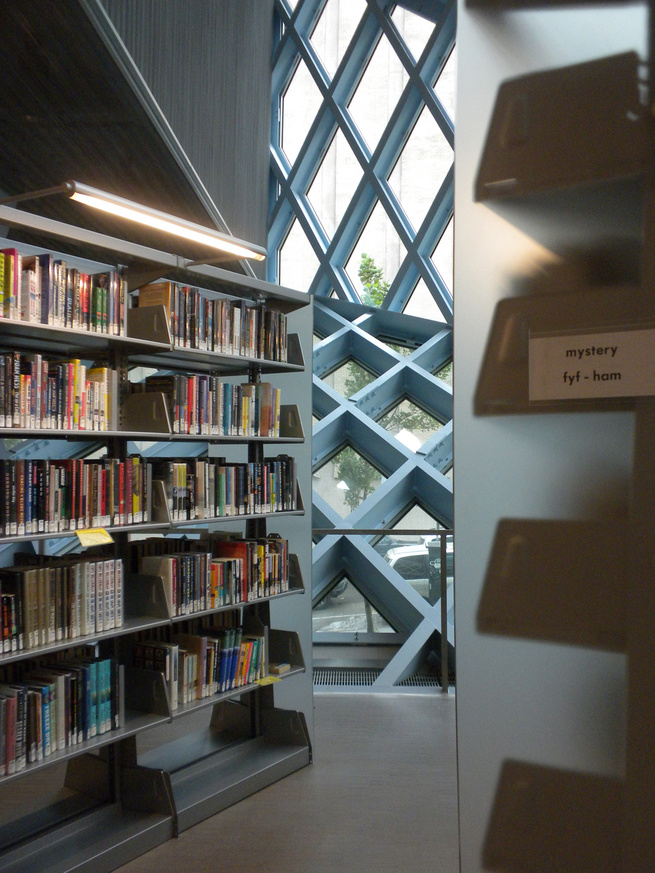 The absolutely stunning building was completed in 2004 and still draws design enthusiasts (who can partake in free public tours of the building) on a daily basis. The new library is 75-percent larger than the previous structure and features an innovative