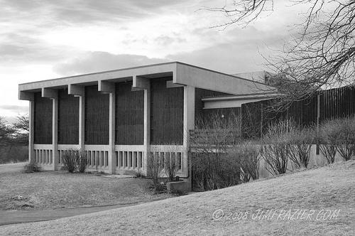 The Unitarian Universalist Church, designed by Pietro Belluschi, in Rockford, Illinois. Image courtesy Jim Frazier.