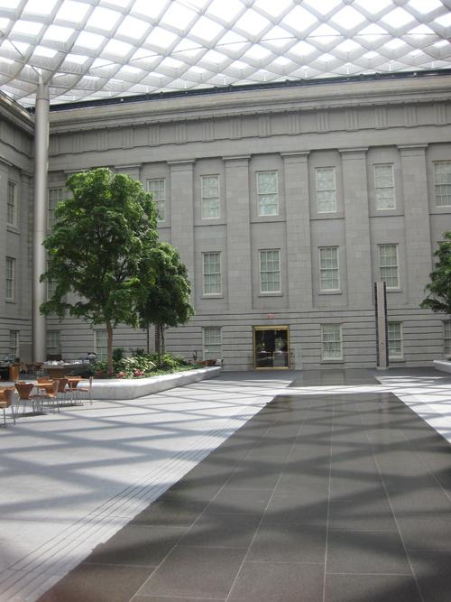 smithsonian kogod courtyard pool
