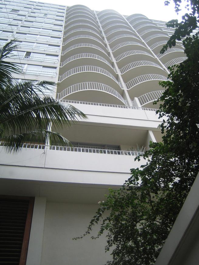 Facade of Modern Honolulu Hotel