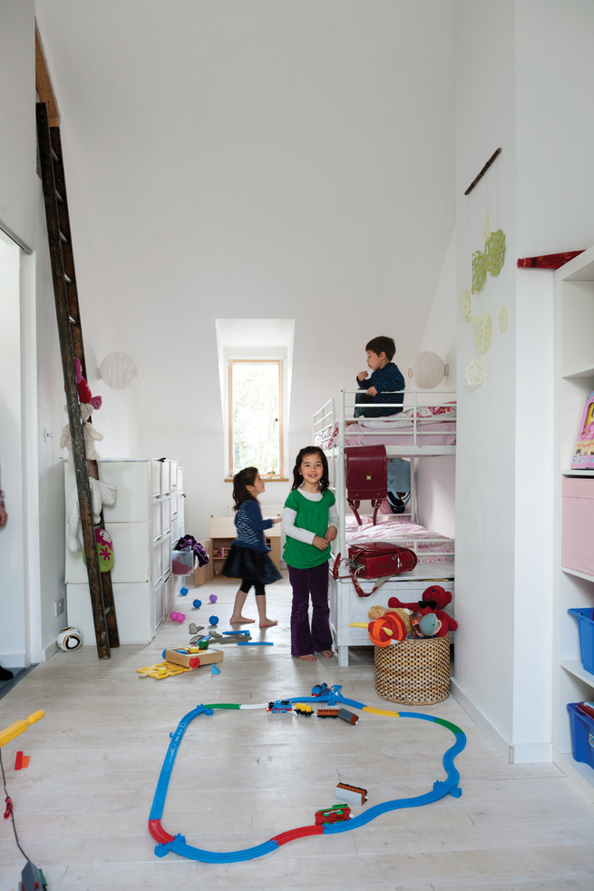 Children's room with bunk beds and shelving from IKEA