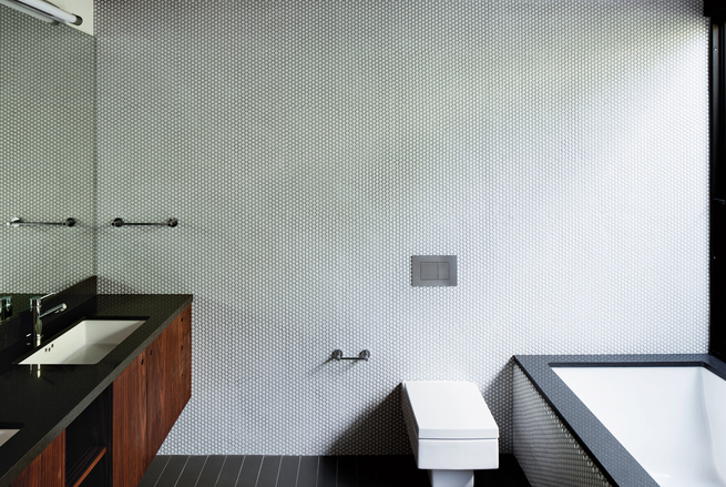 A Minimalist Bathroom in Los Angeles | Dwell