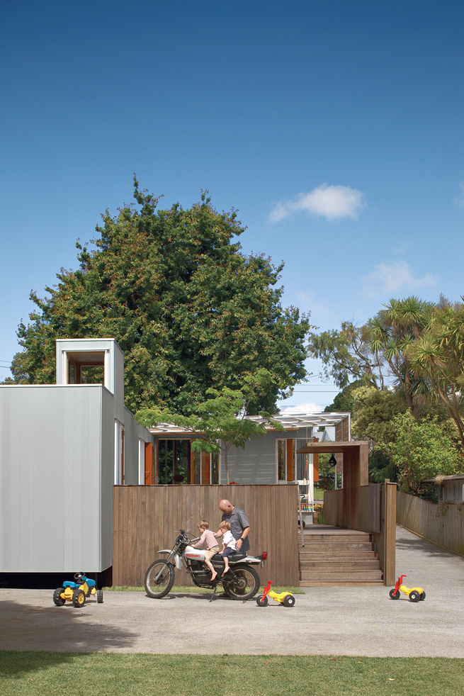 Auckland house by Michael O'Sullivan, exterior