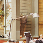 MID-CENTURY MASH-UP Although postwar California modernism is generally associated with Southern California, the Bay Area's own tradition has begun in recent years to be more widely acknowledged, and its surviving treasures have gained an appreciative audience. The homeowner surfs the net at the built-in desk. Photo by Misha Gravenor.  Photo by Misha Gravenor.   This originally appeared in Mid-Century Mash-Up.