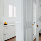 The kitchen in the Valencia apartment.  Photo by: Nienke Klunder