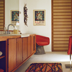 Warren Platner, though, gets the credit for the Wire series lounge chair for Knoll in the bathroom.  Photo by: JUCO