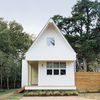 Brett Zamore calls the house he designed for David Kaplan the Shot-Trot because it fuses two regional housing types, the shotgun and the dogtrot.