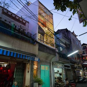 Saigon home's patterned steel facade