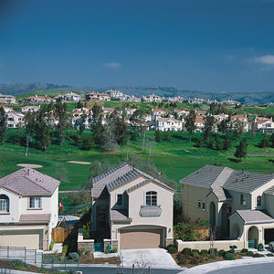 February 2002, San Jose, California, USA --- Gated Suburban Community in San Jose --- Image by � Macduff Everton/Corbis