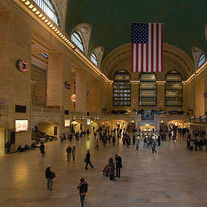 """Right: Grand Central Station shot by David Iliff (via <a href=""""http://commons.wikimedia.org/wiki/File:Grand_Central_Station_Main_Concourse_Rectilinear_projection_Jan_2006.jpg"""">Wikimedia Commons</a>)"""