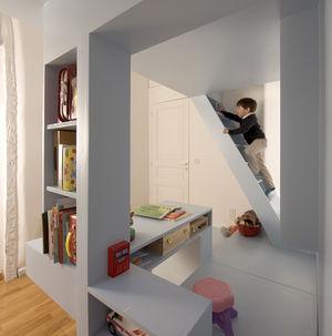 h2o paris kids room portrait stairs climbing