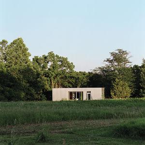 x house exterior thumbnail 2