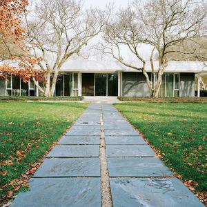 miller house front facade