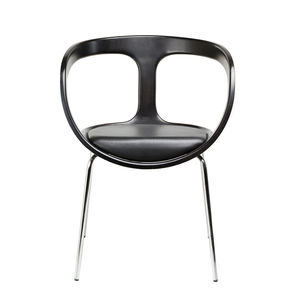 Gärsnäs Hug Armchair in black