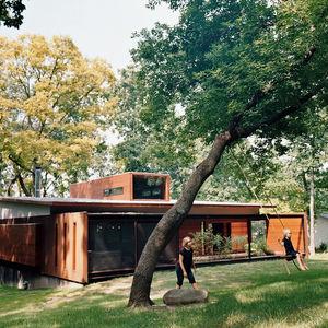 edstrom house back yard swing