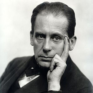 a portrait of Walter Gropius in 1919