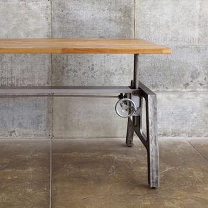mash studios table