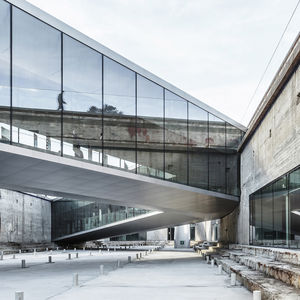 Elevated glass walkway at the Danish Maritime Museum