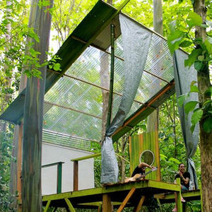 Cantilevered tree house in the Puerto Rico tropics